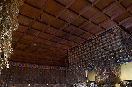 天蓋のない状態の天井